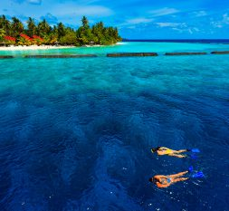 库鲁巴岛房礁浮浅
