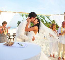 钻石泰达富士岛婚礼服务